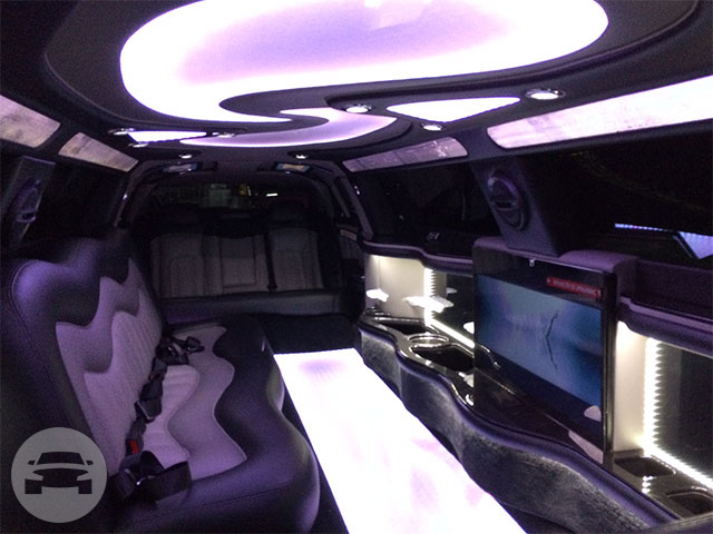 Stretch Chrysler Limo  / Byron Bay NSW 2481, Australia   / Hourly AUD$ 0.00