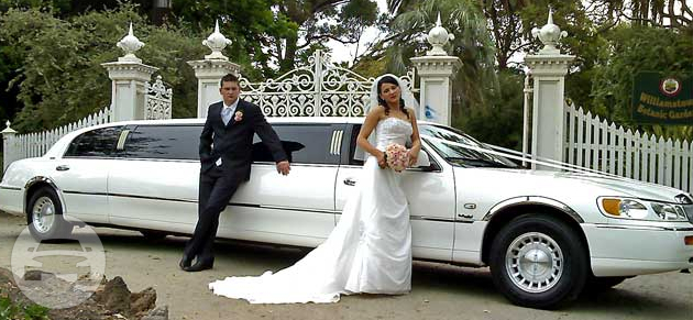 Lincoln Limousine-white Limo  / Melbourne, VIC   / Hourly AUD$ 340.00