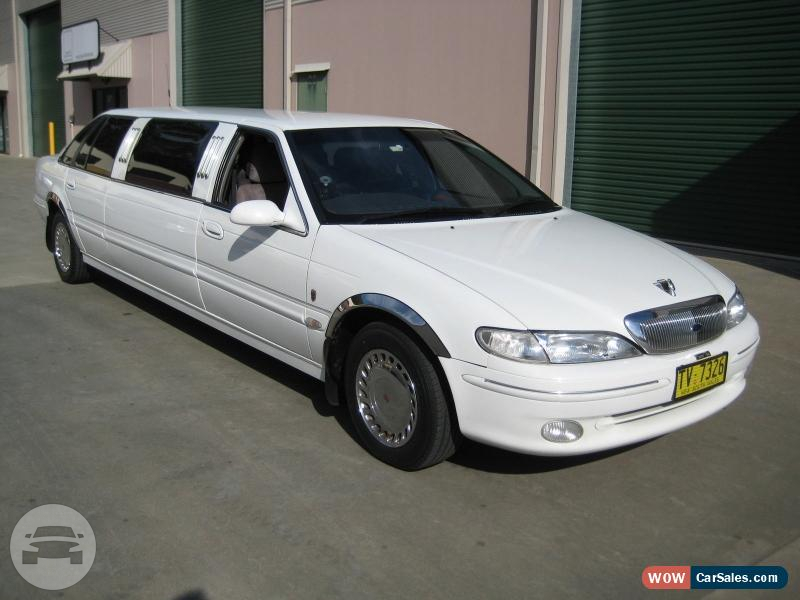Super Stretch Limousine Limo  / Ashmore, QLD   / Hourly AUD$ 0.00