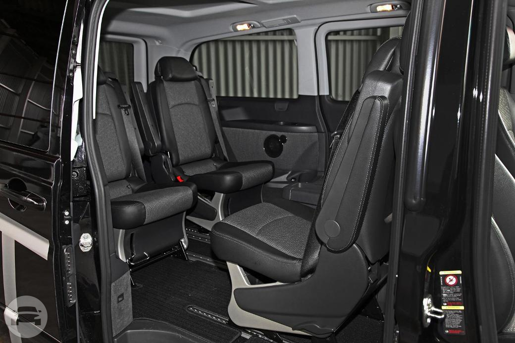 MERCEDES VIANO Limo  / Brisbane City, QLD   / Hourly AUD$ 85.00