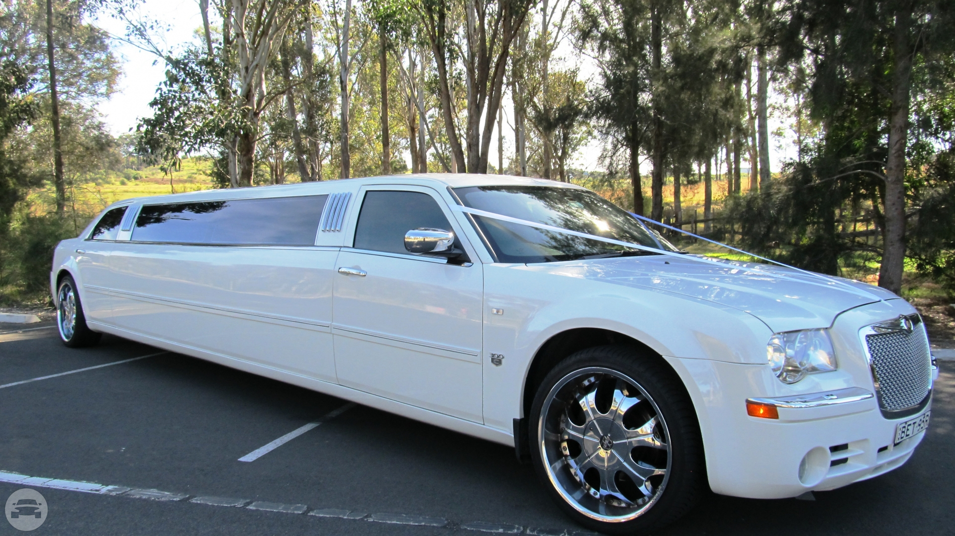 12 seater Chrysler 300C Limo / Central Coast NSW, Australia   / Hourly AUD$ 0.00